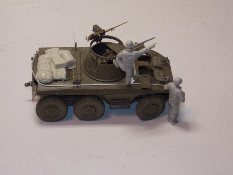 M8 Greyhound TAMIYA avec intérieur Verlinden et décor PATROSS 1/35 - Page 2 Dscn6307