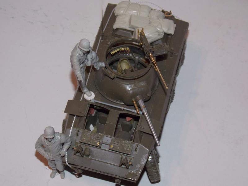 M8 Greyhound TAMIYA avec intérieur Verlinden et décor PATROSS 1/35 - Page 2 Dscn6308