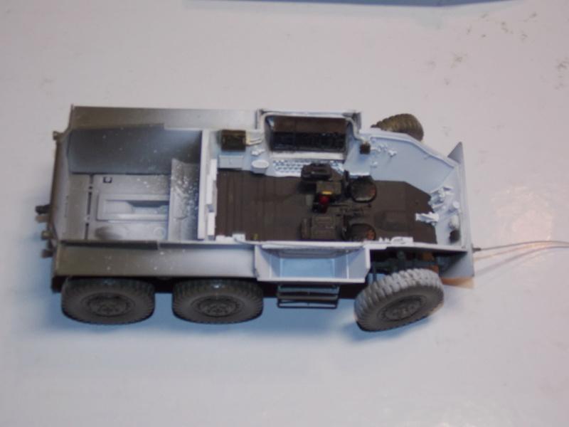 M8 Greyhound TAMIYA avec intérieur Verlinden et décor PATROSS 1/35 - Page 2 Dscn6311