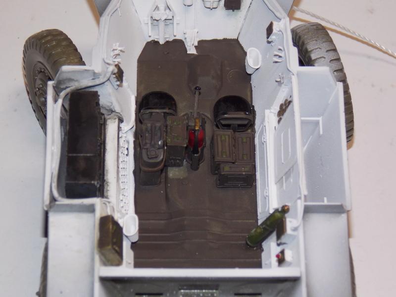 M8 Greyhound TAMIYA avec intérieur Verlinden et décor PATROSS 1/35 - Page 2 Dscn6312
