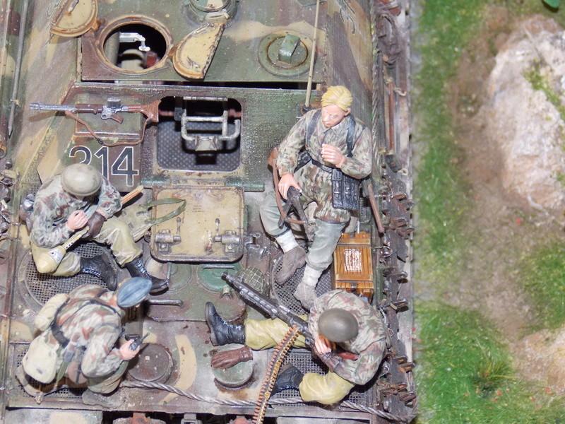 Jagdpanther, Fallschirmjäger et décor perso (Dragon 1/35) - Page 7 Dscn6422