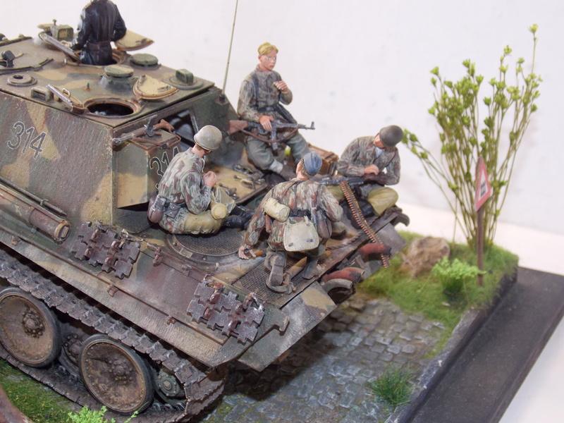 Jagdpanther, Fallschirmjäger et décor perso (Dragon 1/35) - Page 7 Dscn6425