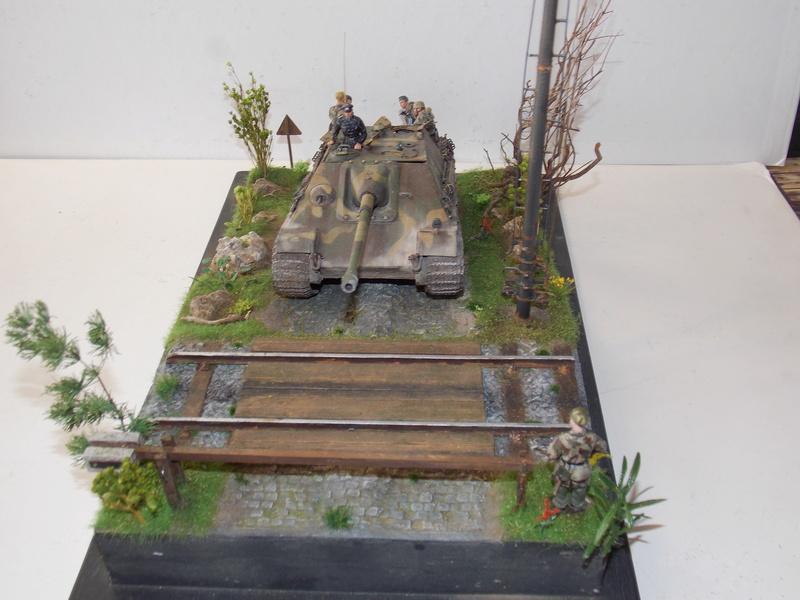 Jagdpanther, Fallschirmjäger et décor perso (Dragon 1/35) - Page 7 Dscn6426