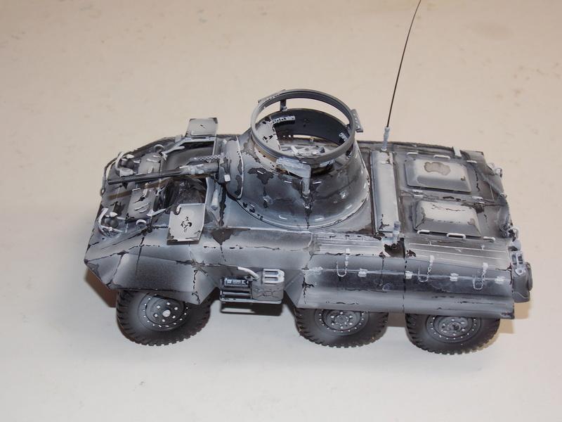 M8 Greyhound TAMIYA avec intérieur Verlinden et décor PATROSS 1/35 - Page 3 Dscn6435