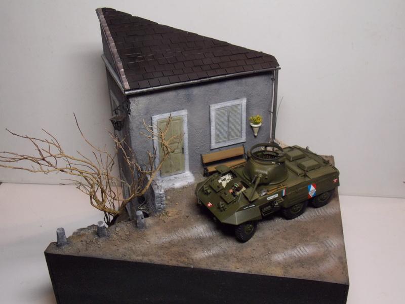 M8 Greyhound TAMIYA avec intérieur Verlinden et décor PATROSS 1/35 - Page 4 Dscn6455