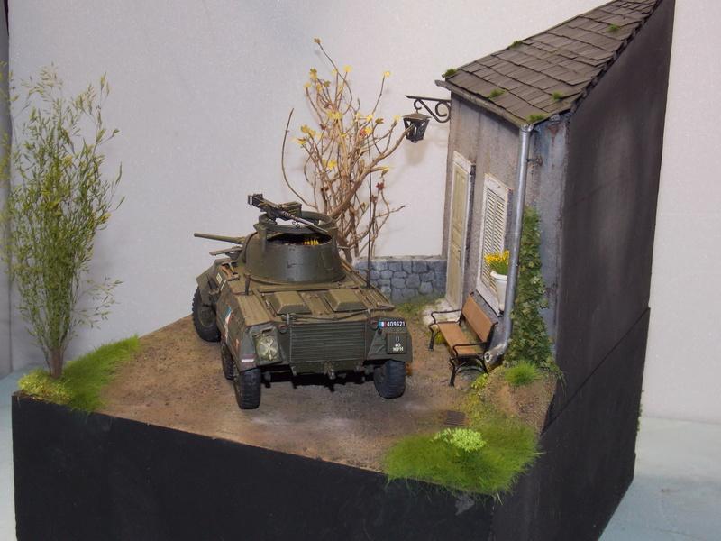 M8 Greyhound TAMIYA avec intérieur Verlinden et décor PATROSS 1/35 - Page 4 Dscn6472