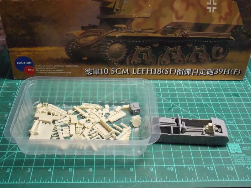 10;5 cmLEFH18(SF) ssur chassis Hotchkiss 1/35 (BRONCO) Dscn6641