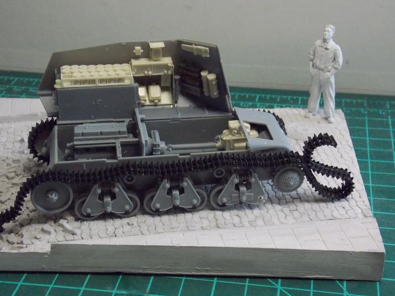 10;5 cmLEFH18(SF) ssur chassis Hotchkiss 1/35 (BRONCO) Dscn6642