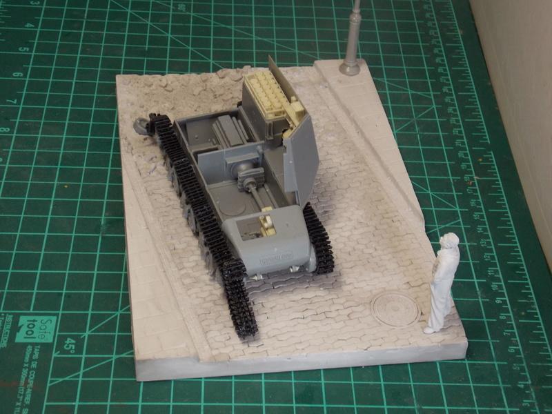 10;5 cmLEFH18(SF) ssur chassis Hotchkiss 1/35 (BRONCO) Dscn6644