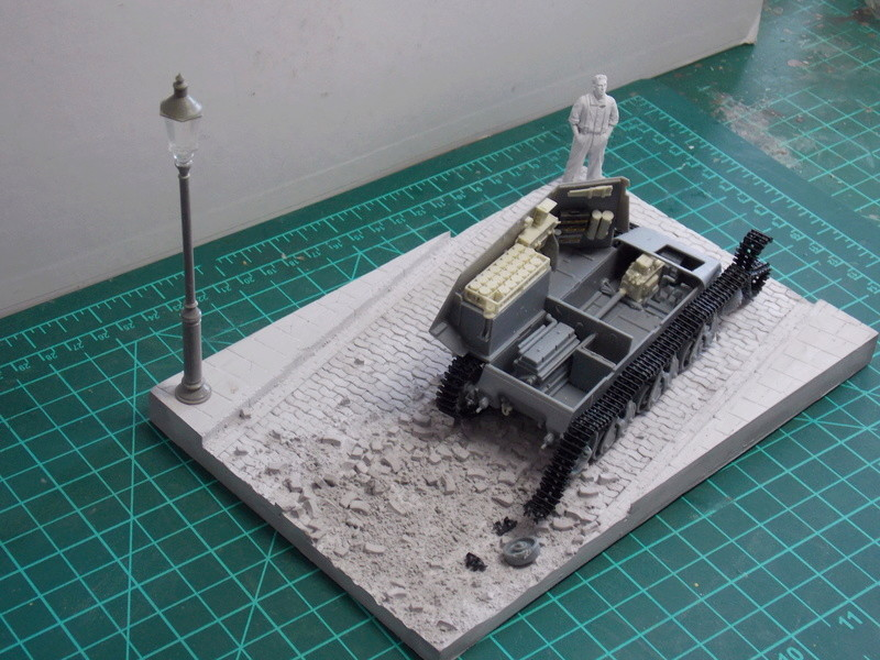10;5 cmLEFH18(SF) ssur chassis Hotchkiss 1/35 (BRONCO) Dscn6645