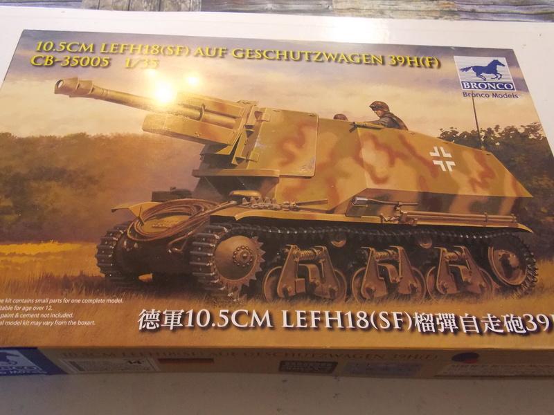 10;5 cmLEFH18(SF) ssur chassis Hotchkiss 1/35 (BRONCO) Dscn6648
