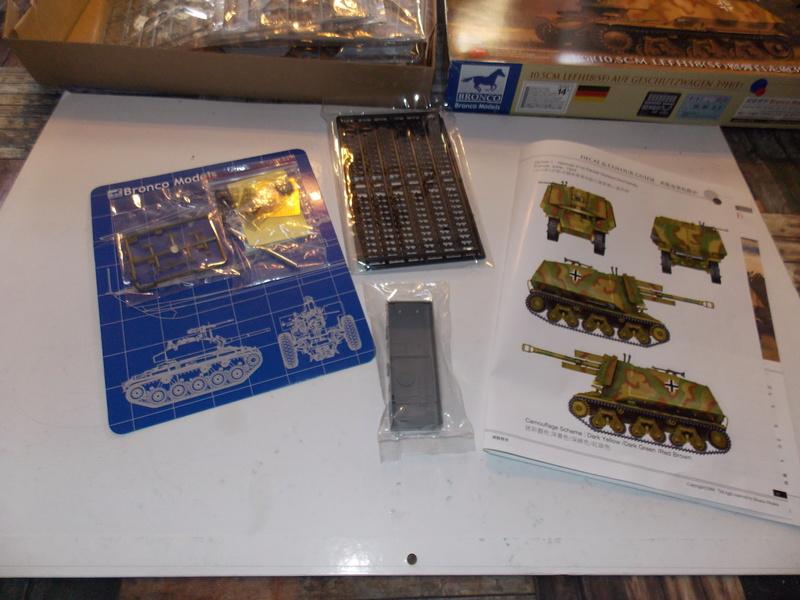 10;5 cmLEFH18(SF) ssur chassis Hotchkiss 1/35 (BRONCO) Dscn6650