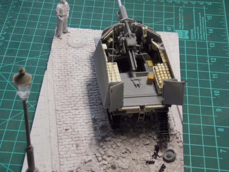 10;5 cmLEFH18(SF) ssur chassis Hotchkiss 1/35 (BRONCO) Dscn6666