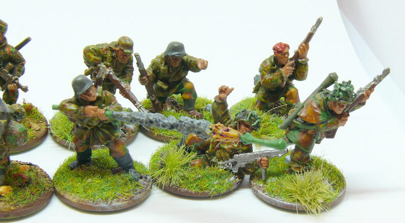 [Vente] 28mm WW2 : Groupe de combat SS fin de guerre. Warlord Games P1340615