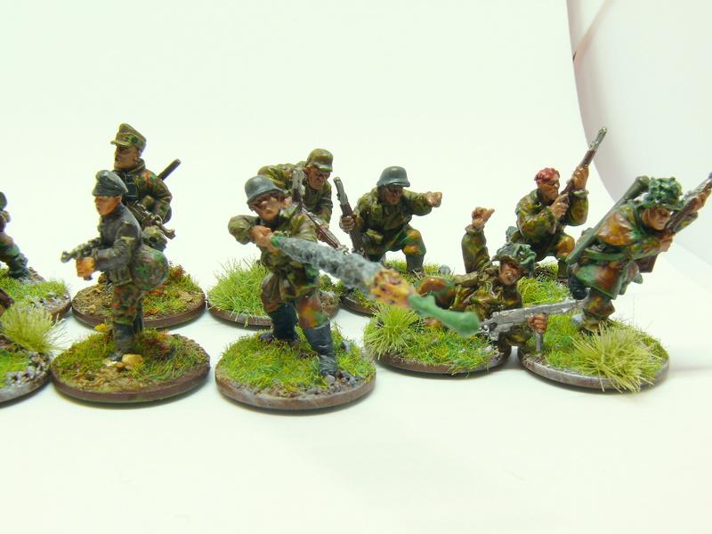 [Vente] 28mm WW2 : Groupe de combat SS fin de guerre. Warlord Games P1340616