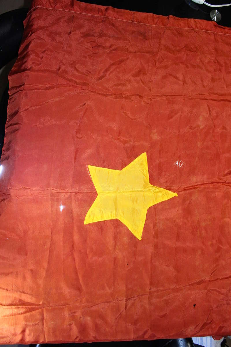 drapeau viet minh/ Indo à identifier Img_2412