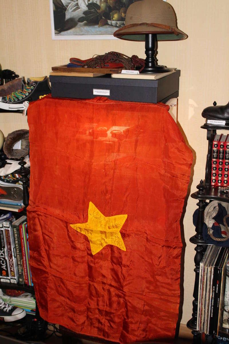 drapeau viet minh/ Indo à identifier Img_2413