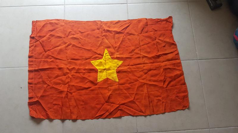 drapeau viet minh/ Indo à identifier S-l16011