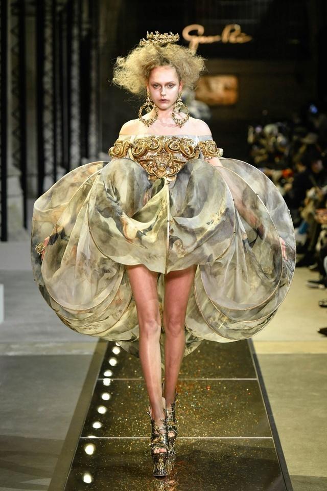 Marie-Antoinette et la Révolution dans la Mode  H_003810