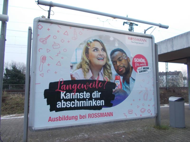 Werbung in Prospekten, Katalogen, auf der Strasse Dscn0410