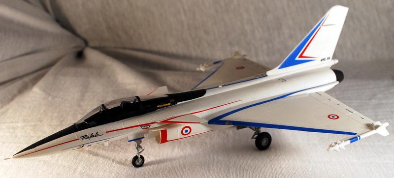(Heller) Dassault Rafale A 1/72 Dsc_0036