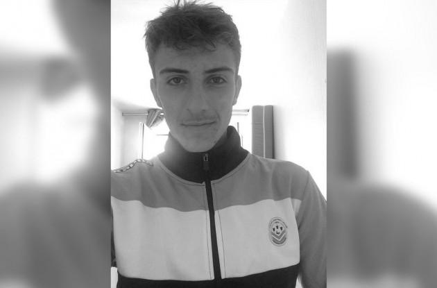 [RIP] Thomas Rodriguez   Altro calciatore 19enne muore d'infarto. Tours10