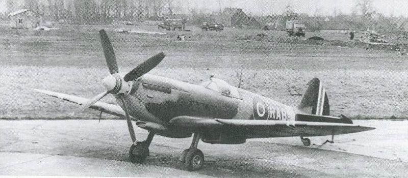 [Frog] Spitfire Mk VIII 20_spi10