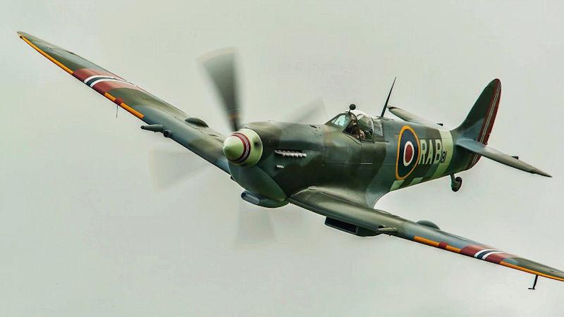 [Frog] Spitfire Mk VIII 24_spi10