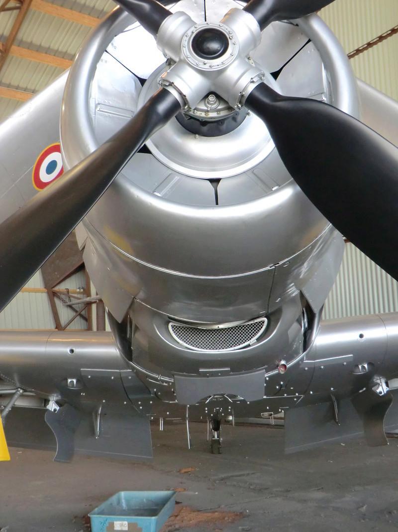Montage d'un Skyraider Français tamiya 1/48 - Page 2 02_04_15