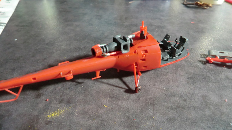 montage Alouette III sécurité civile Heller 1/72 - Page 2 Alouet44