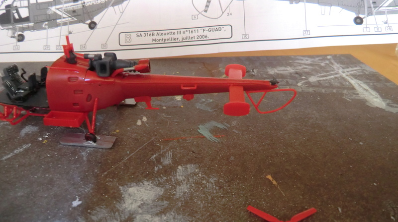 montage Alouette III sécurité civile Heller 1/72 - Page 2 Alouet62
