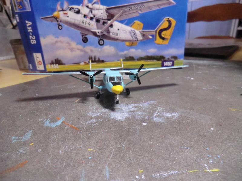 AN-28 Amodel 1/144 An-28_35
