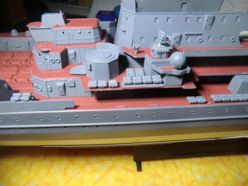 Croiseur Russe Admiral Ushakov 1/350 - Page 3 Crois105