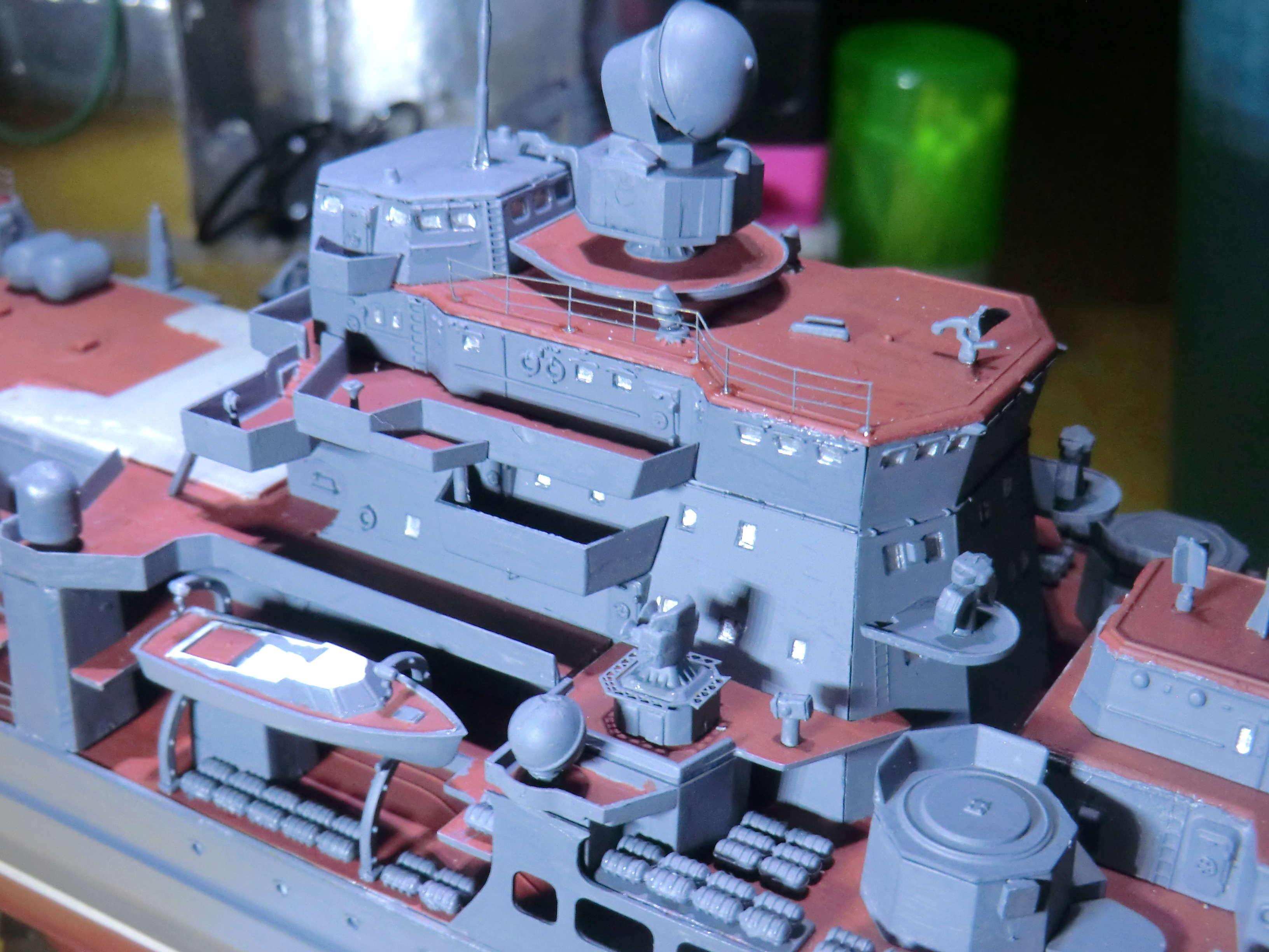 Croiseur Russe Admiral Ushakov 1/350 - Page 5 Crois174