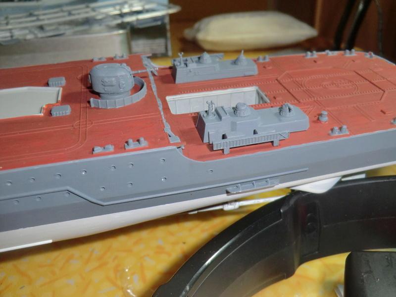 Croiseur Russe Admiral Ushakov 1/350 - Page 3 Croise73