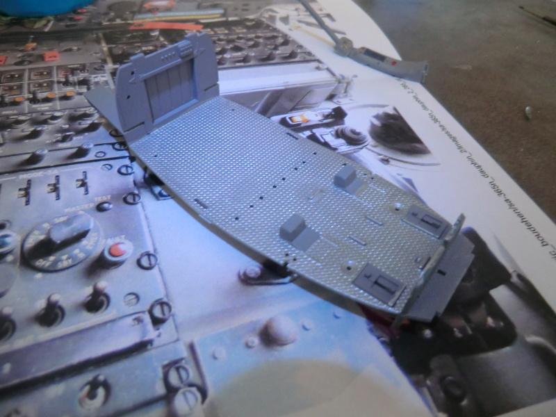 ZHI-9B ou variante du Dauphin II 1/48 Kitty Hawk Dauphi67