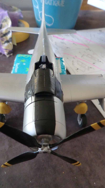 Montage d'un Skyraider Français tamiya 1/48 - Page 3 Skyra105