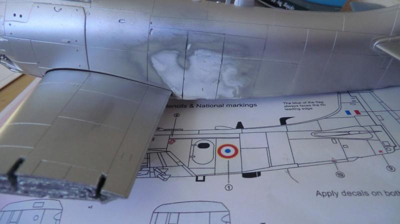 Montage d'un Skyraider Français tamiya 1/48 - Page 2 Skyrai68