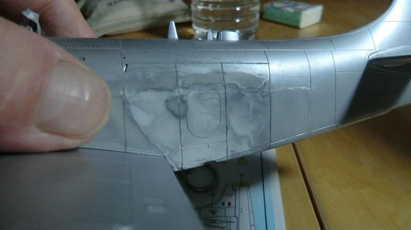Montage d'un Skyraider Français tamiya 1/48 - Page 2 Skyrai74