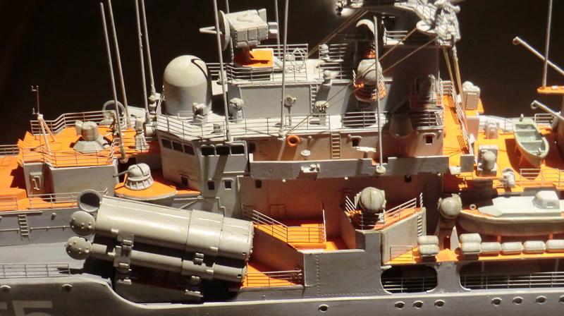destroyer Sovremenny type 956,Trumpéter 1/200 - Page 17 Sovre559