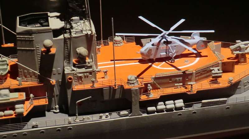 destroyer Sovremenny type 956,Trumpéter 1/200 - Page 17 Sovre560
