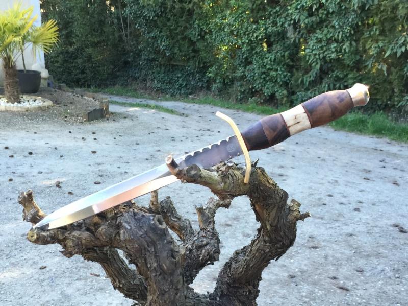 Votre couteau, votre préférence au jour le jour : pliant, dague ?  Img_4310