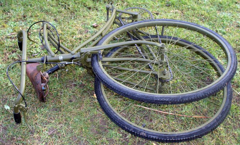Les vélos militaires suisses Kief_011
