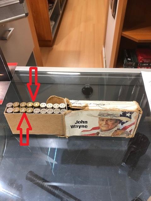 John Wayne continue à grimper scandaleusement dans les salles de ventes - Page 3 Winch_46