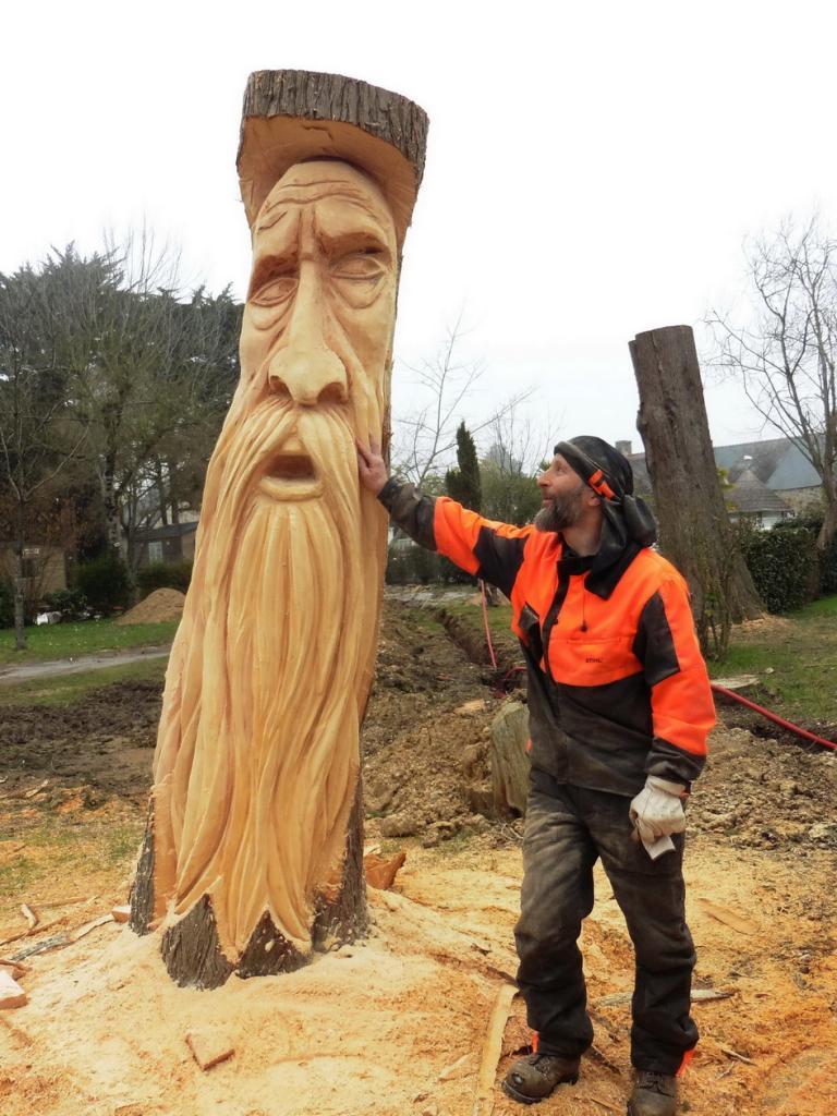 petit wood spirit de 300 cm E-thie10
