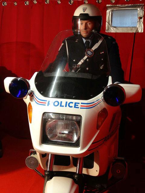 Reconstitution d'un policier parisien sur sa K75 20171015