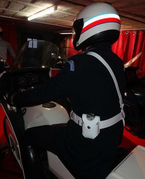 Reconstitution d'un policier parisien sur sa K75 20171017