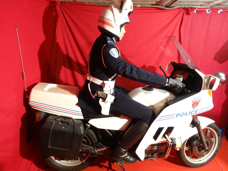 Reconstitution d'un motard gendarme sur sa BMW R80rt Dsc04013