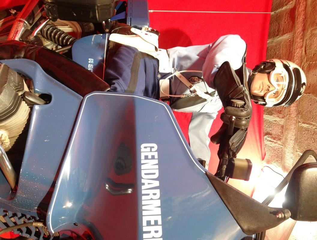 Reconstitution d'un motard gendarme sur sa BMW R80rt Dsc04116