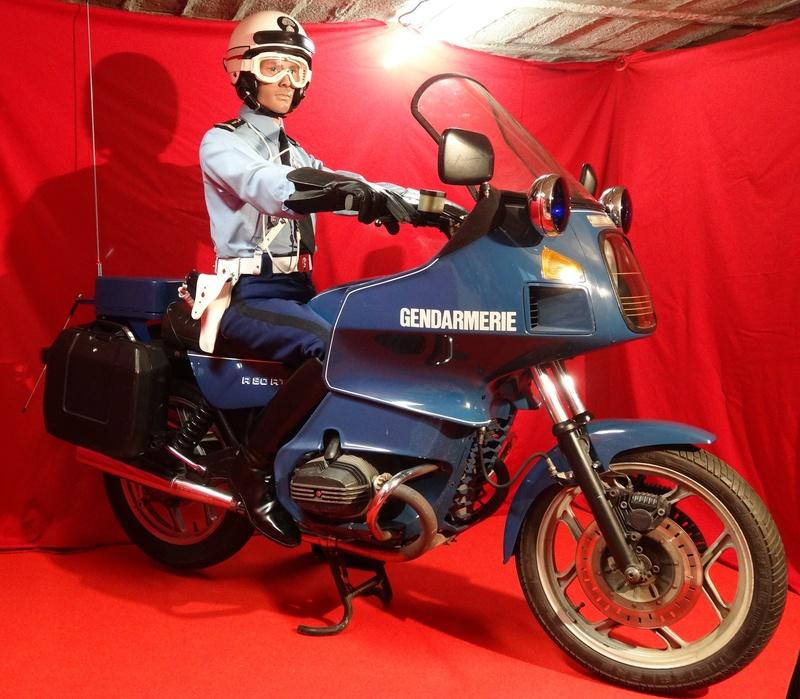 Reconstitution d'un motard gendarme sur sa BMW R80rt Dsc04118